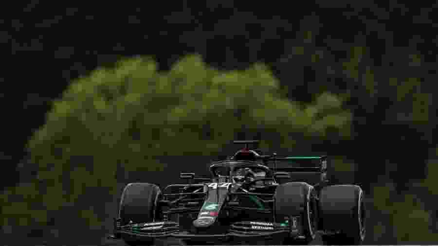 Lewis Hamilton, da Mercedes, na pista da Áustria - LAT/Mercedes