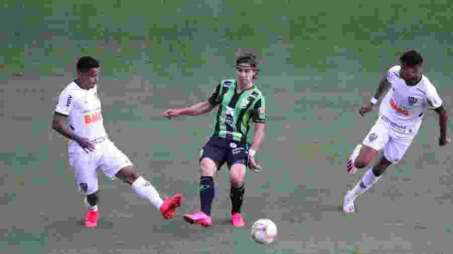Atlético-MG apenas empata com o América-MG na volta do futebol mineiro em meio à pandemia do novo coronavírus - Fernando Moreno/AGIF