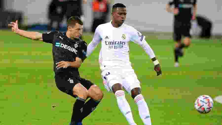 Vinicius Junior, durante partida entre Real Madrid e Borussia Moenchengladbach - REUTERS/Uwe Kraft