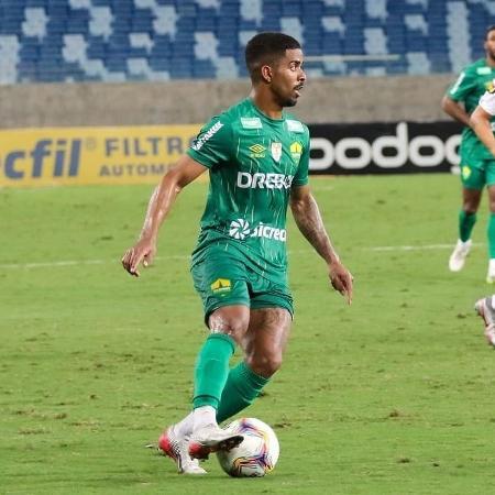 Lateral direito Hayner - Divulgação / Twitter do Cuiabá Esporte Clube