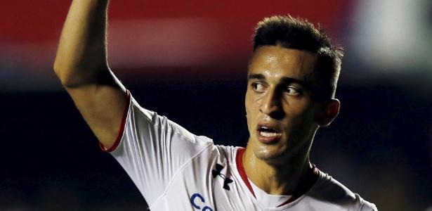 João Schmidt tem contrato com o São Paulo até junho