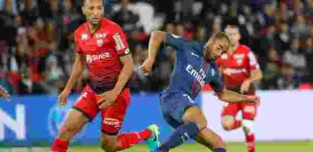 Lucas em ação contra o Dijon: três gols nos últimos três jogos pelo Francês - Gonzalo Fuentes/Reuters