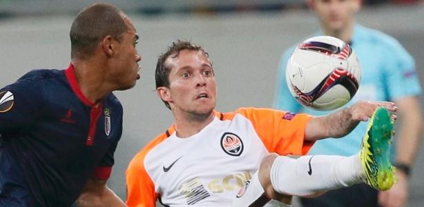 Bernard em ação pelo Shakhtar durante partida contra o Braga - Gleb Garanich/Reuters