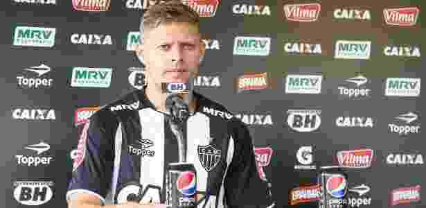 Marlone foi apresentado pelo Atlético-MG. Jogador assinou contrato até dezembro de 2017 - Bruno Cantini/Atlético