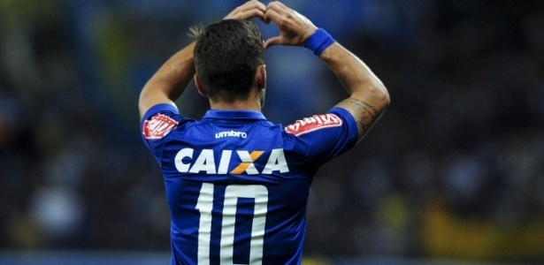 Destaque do Cruzeiro em 2017, Arrascaeta foi preparado para o jogo mais importante