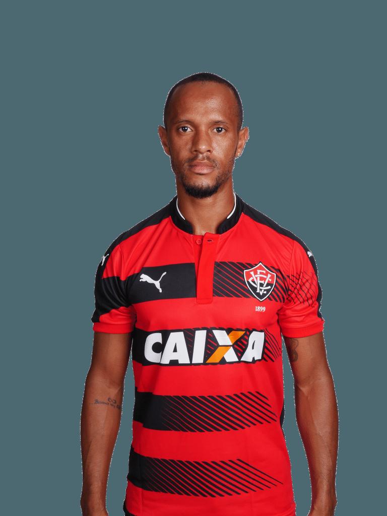 Leandro Salino, lateral-direito do Vitória