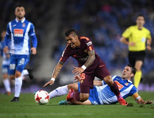 Paulinho sofreu uma fissura em um dedo do pé direito e passará por novo exame - David Ramos/Getty Images