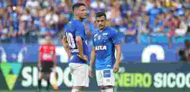 32f2d6888c Thiago Neves e Robinho ganharam as companhias de Arrascaeta e Barcos ou  Raniel Imagem  Pedro Vale AGIF