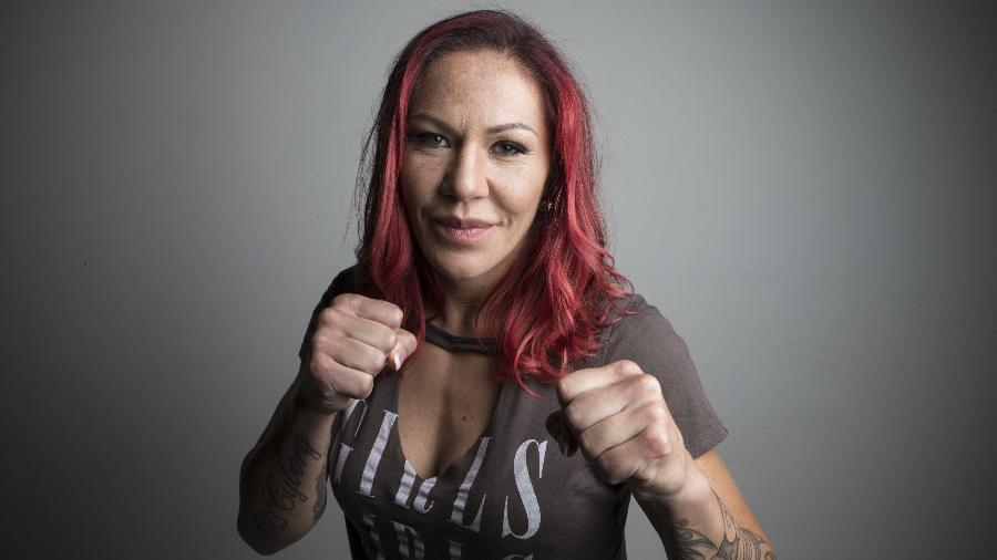 Cris Cyborg disputará o cinturão do peso pena feminino com Amanda Nunes - Lucas Lima/UOL/Folhapress