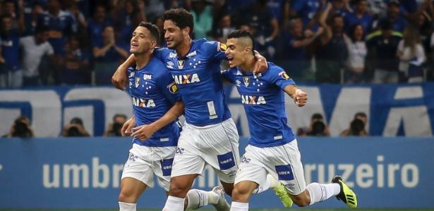 Torcedor pode esperar o Cruzeiro com suas principais peças para se despedir da torcida - Thomás Santos/AGIF