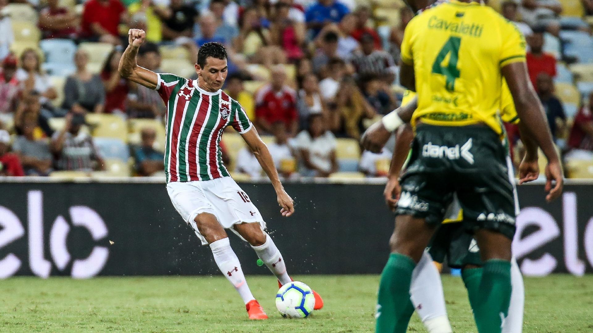 Ganso marca para Fluminense