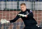 """Goleiro búlgaro diz que torcedores não foram racistas: """"Se comportaram bem"""" - REUTERS/Anton Uzunov"""