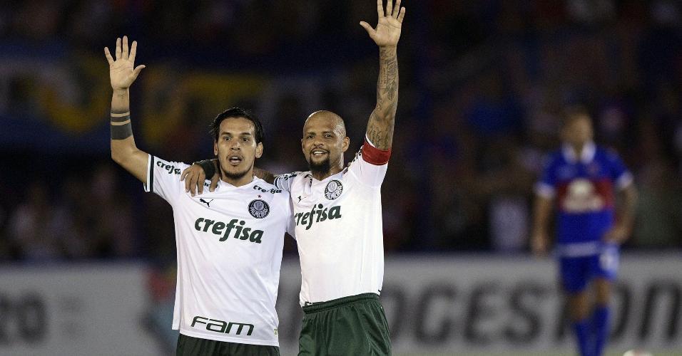 Felipe Melo ao lado de Gustavo Gómez, na partida entre Tigre e Palmeiras