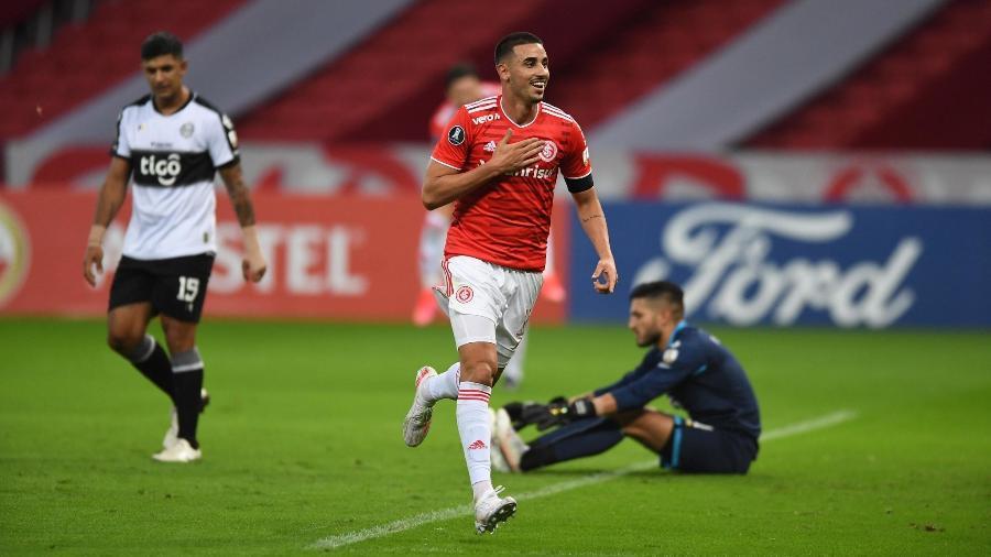 Thiago Galhardo comemora gol na vitória do Inter sobre o Olimpia - Ricardo Duarte/Inter