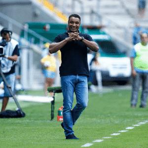 Roger Machado gesticula em vitória do Grêmio sobre o Lajeadense no Campeonato Gaúcho - Lucas Uebel/Grêmio