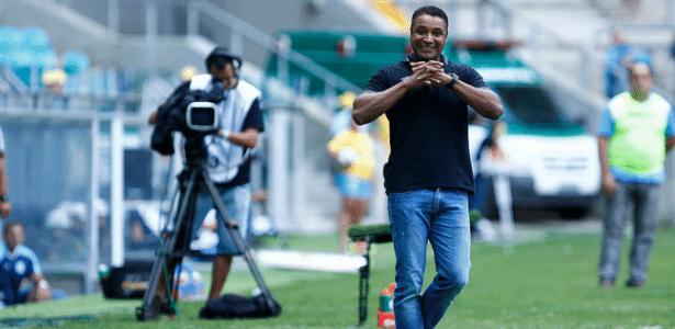 Roger citou manutenção no cargo após Grêmio ser eliminado do Gauchão e Libertadores