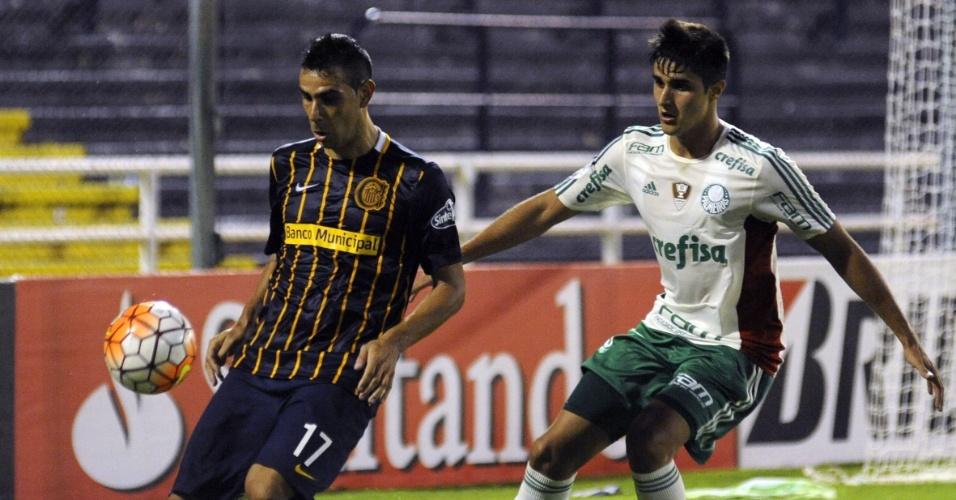 Thiago Martins acompanha Herrera de perto na partida entre Palmeiras e Rosario Central pela Libertadores