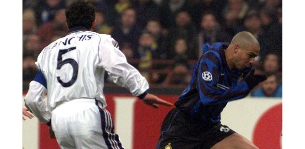 Sanchis, ex-Real Madrid, marca Ronaldo; zagueiro esteve no voo - Reuters