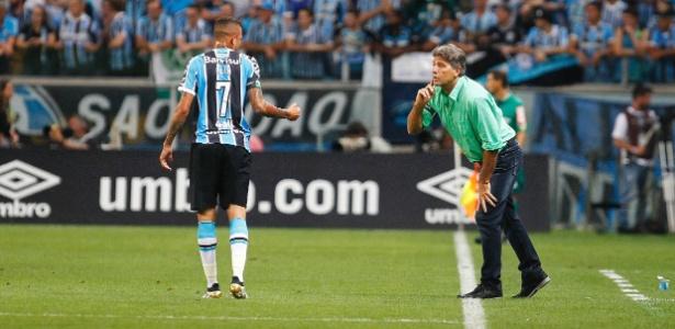 Luan (esq) e Pedro Rocha são os artilheiros do Grêmio em 2016 com 12 gols cada