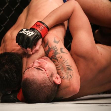 Ray Borg venceu Louis Smolka pelo peso mosca no UFC 207 - Rigel Salazar/Ag. Fight