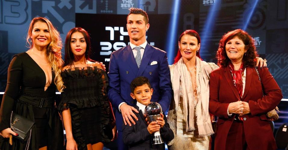 Família de Cristiano Ronaldo acompanha português na cerimônia