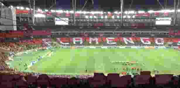 Torcida do Flamengo faz um mosaico no Maracanã - UOL