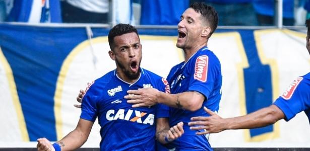Contra o Tupi, Rafinha foi titular e Thiago Neves começou no banco de reservas