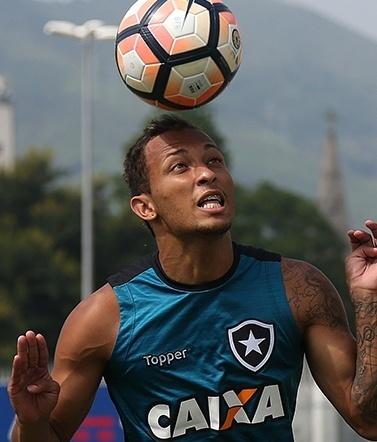 Lucas da Silva Ribeiro Campos, atacante do Botafogo