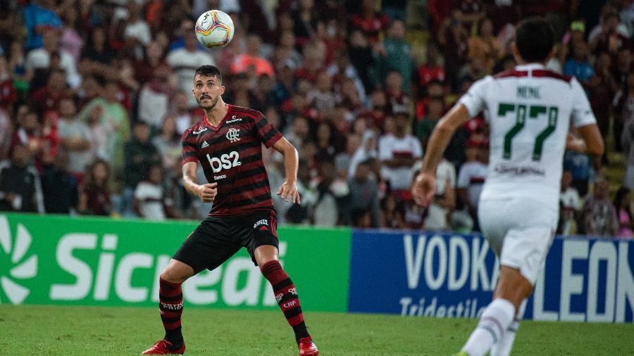 Cogitada para transmissão, RedeTV! desiste de final da Taça Rio após recusa do Fluminense em negociar