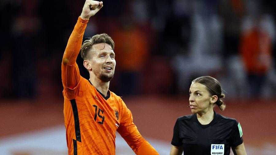 Luuk de Jong comemora gol na primeira vitória da Holanda nas Eliminatórias - Maurice Van Steen/ANP/AFP