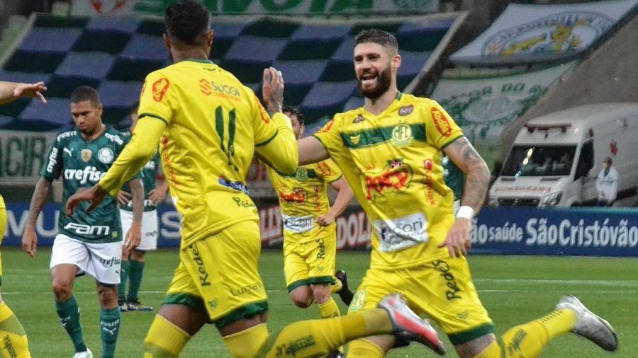Jogadores do Mirassol comemoram gol diante do Palmeiras pelo campeonato Paulista - Divulgação/Mirassol