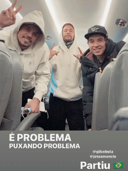 Neymar, Gil Cebola e Jota Amancio embarcaram para o Brasil na noite de ontem - Reprodução/Instagram