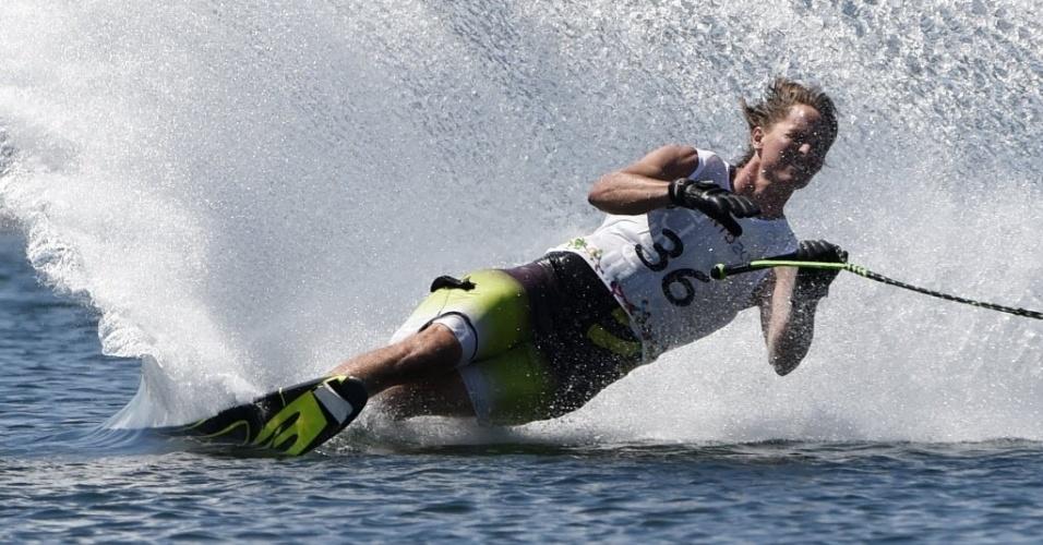 O americano Nate Smith durante a final do ski slalom no Pan de Toronto