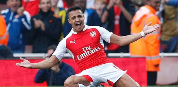 Alexis negocia renovação com o Arsenal, mas desperta interesse de outros clubes