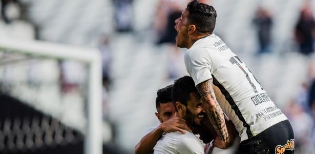 Corinthians enfrenta o Sport às 11h deste domingo