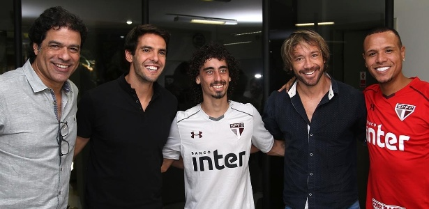 Raí, Kaká, Valdivia, Lugano e Luis Fabiano no CT do São Paulo; atacante treina no ex-clube