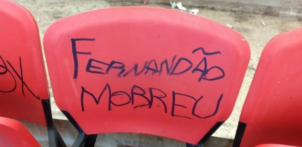 """Cadeira do Beira-Rio foi pichada com """"Fernandão morreu"""" durante Gre-Nal 415"""