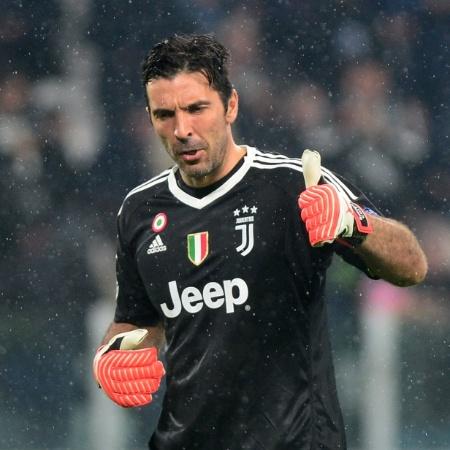 Gianluigi Buffon, goleiro da Juventus, em lance da partida contra o Real Madrid - REUTERS/Massimo Pinca