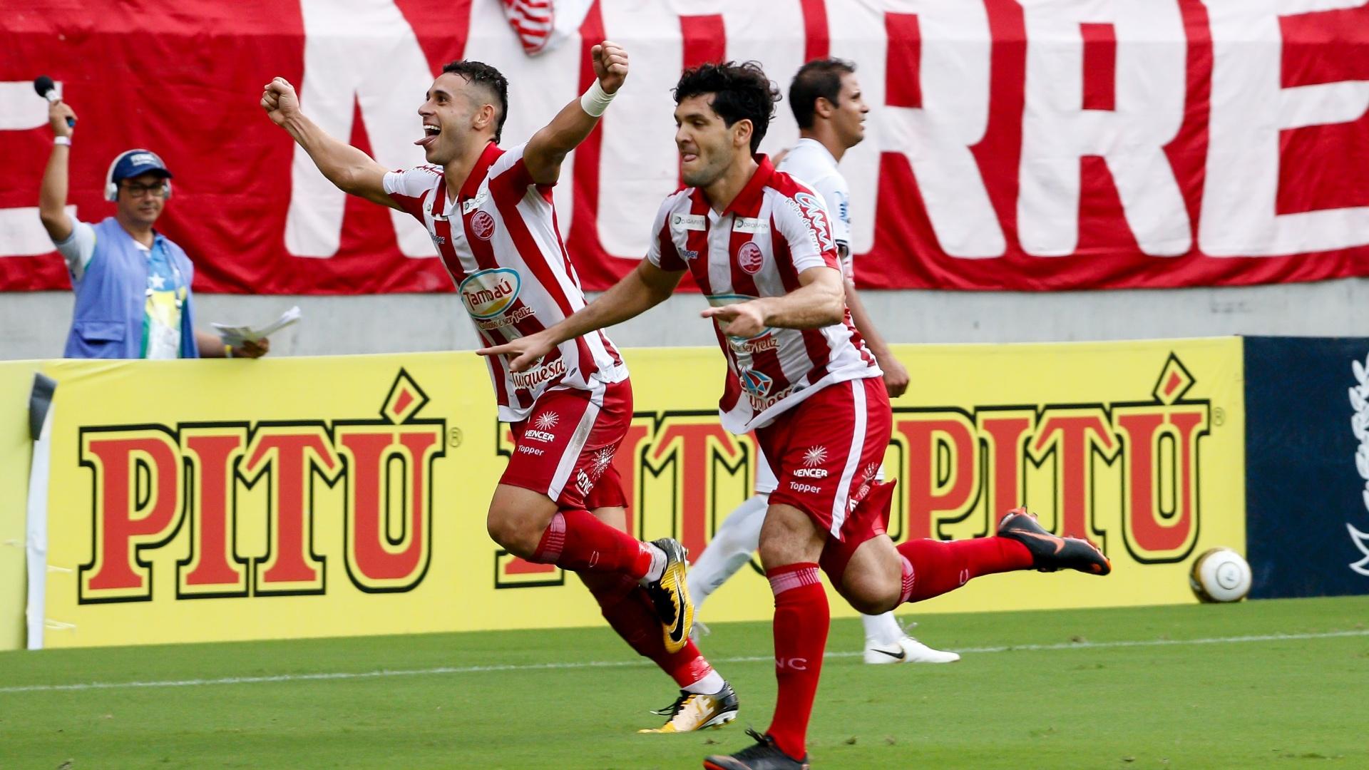 Ortigoza comemora gol do Náutico diante do Central em jogo pelas finais do Campeonato Pernambucano de 2018