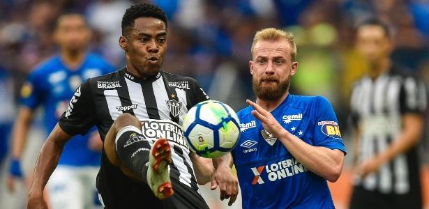 Marcelo Hermes em ação contra o Atlético-MG; jogador não deve ficar no Cruzeiro - Pedro Vilela/Getty Images