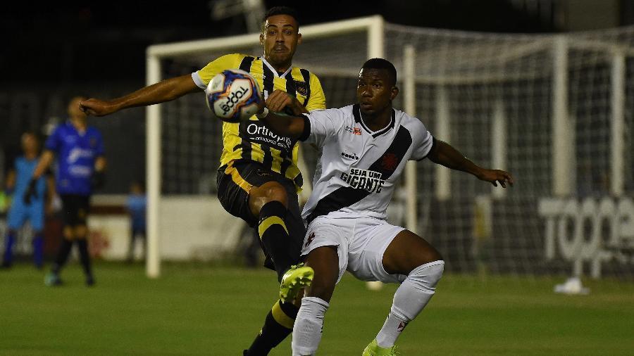Atacante Ribamar foi o primeiro reforço do Vasco em 2019, mas não agradou ao técnico Vanderlei Luxemburgo - Thiago Ribeiro/AGIF