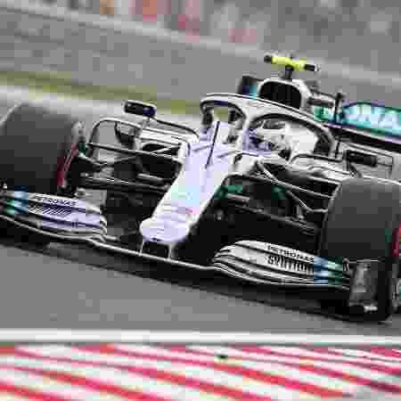 Valtteri Bottas terá que disputar sua vaga na Mercedes com Esteban Ocon - REUTERS/Lisi Niesner