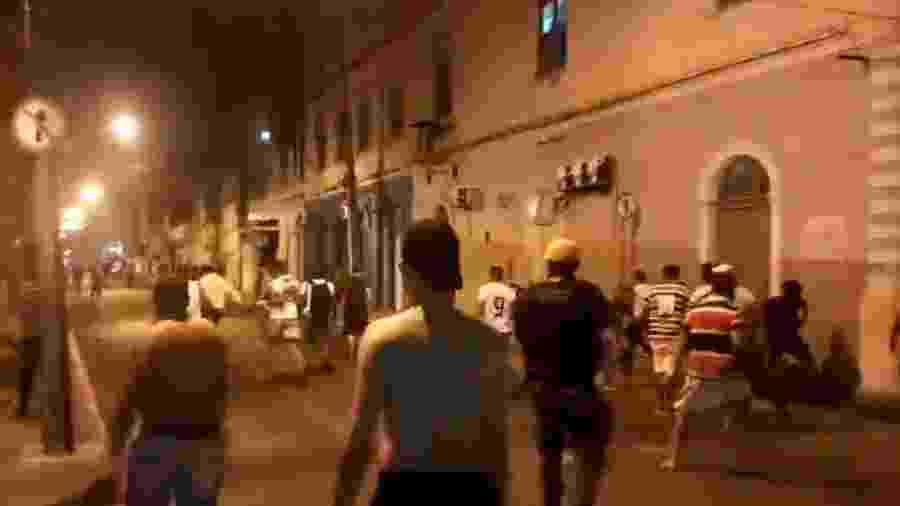 Festa do Santa Cruz termina em pancadaria após invasão de torcedores do Sport - Twitter/Reprodução
