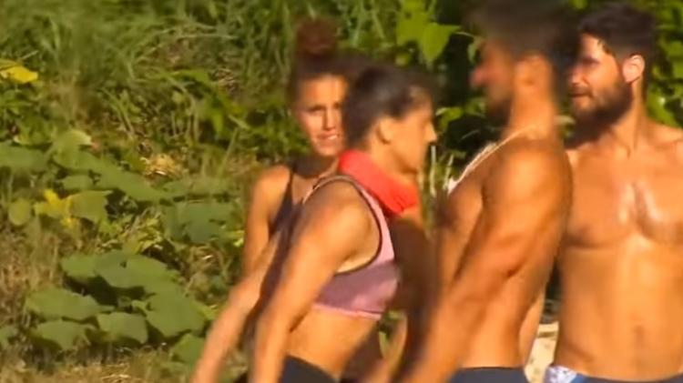 Em reality show   Lutadora quebra nariz de participante com cabeçada