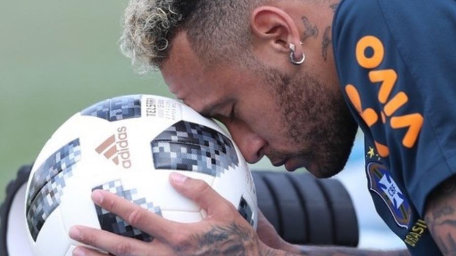 Neymar, atacante do Paris Saint-Germain, contribui com leilão beneficente promovido pela Federação Paulista - Reprodução/Instagram