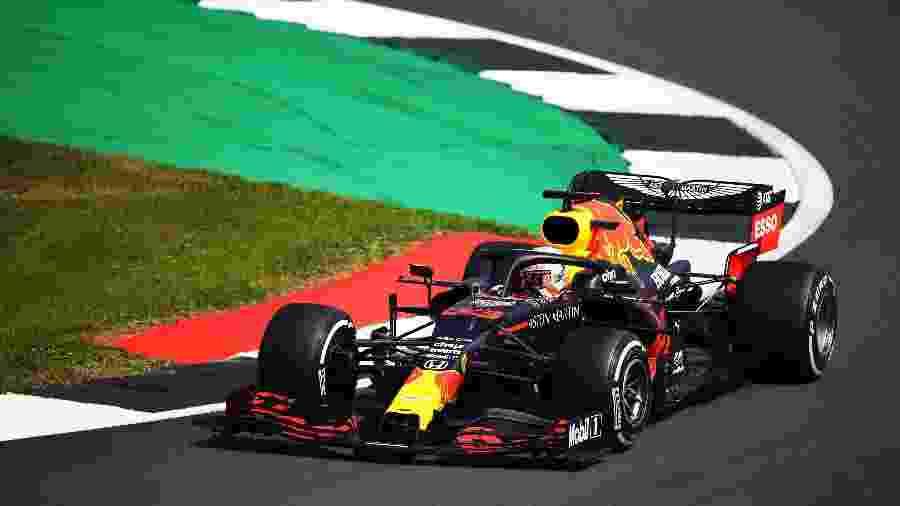 Max Verstappen, da Red Bull, durante o GP de Silverstone, em comemoração aos 70 anos da Fórmula 1 - Bryn Lennon/Getty Images
