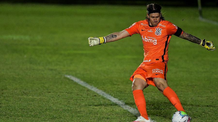 Cássio em ação pelo Corinthians contra o Vasco, em São Januário, pelo Brasileirão - Thiago Ribeiro/AGIF