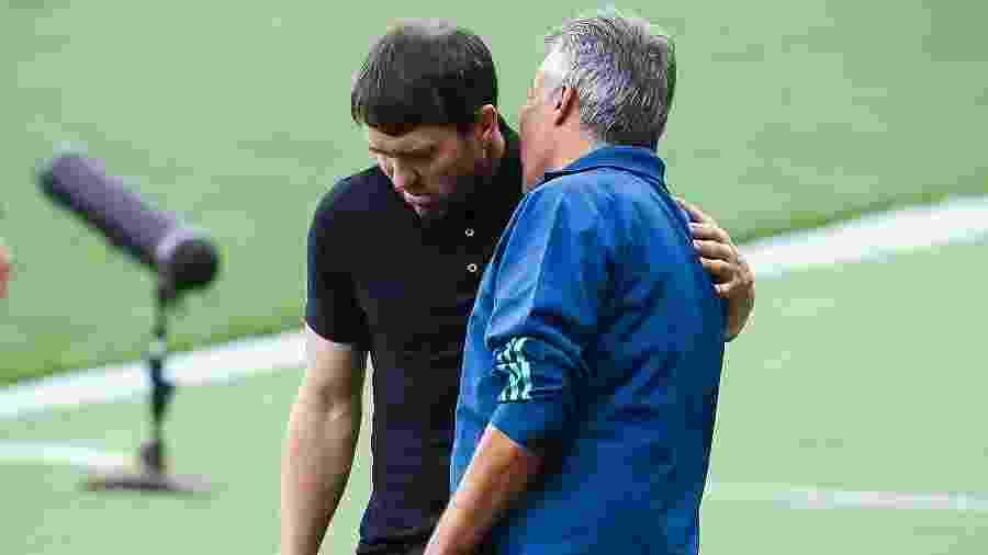 Eduardo Coudet, técnico do Inter, e Domenec Torrent, técnico do Flamengo - Pedro H. Tesch/AGIF