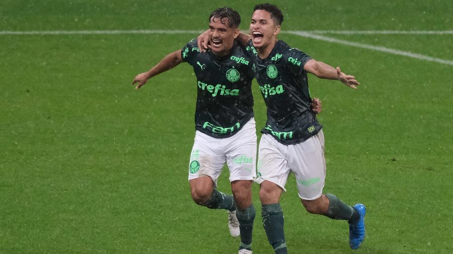 Gabriel Silva fez o segundo gol do Palmeiras no clássico contra o Corinthians - Marcello Zambrana/AGIF