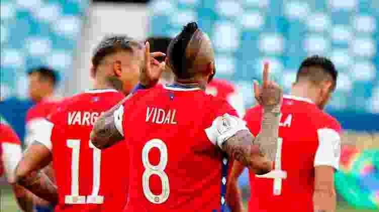 Chileno Vidal ficou muito irritado ao ser substituído no segundo tempo do jogo contra a Bolívia, em Cuiabá (MT) - Twitter da Copa América - Twitter da Copa América